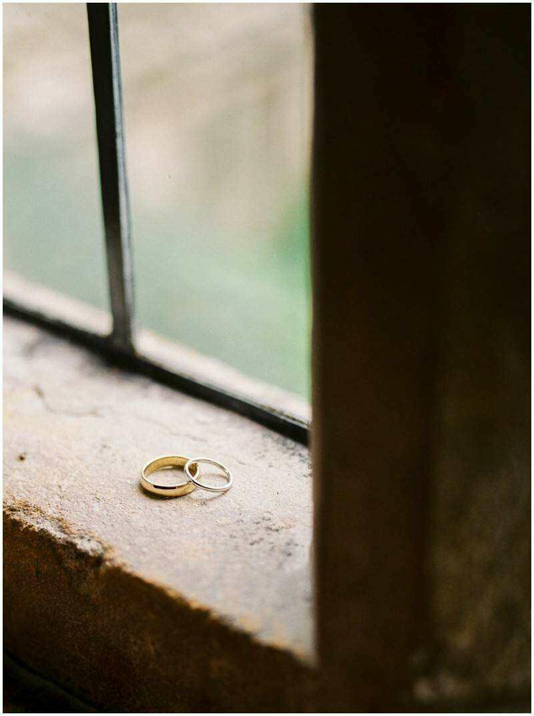 Johnny Corcoran Wedding Portrait Photography Lifestyle Dublin Ireland Elephant Shoe_0775