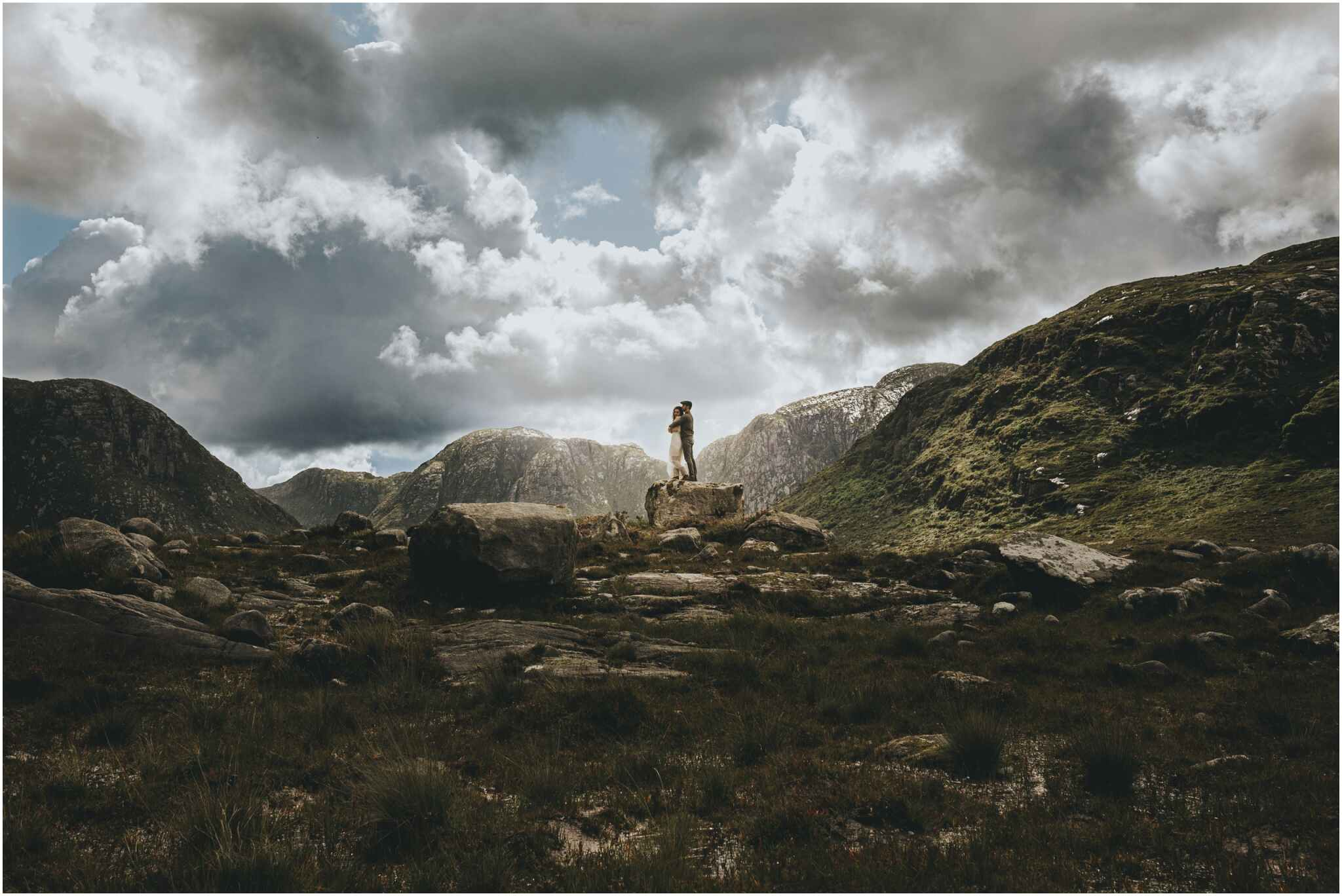 Rachel + David - Hiking Elopement in Muckish Mountain and Poisoned Glen, Donegal 32